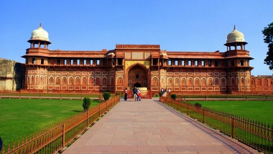 Agra fort Akbar Mahal