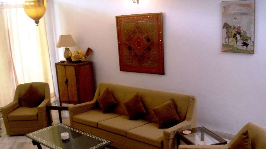 The Lounge where you can chat with your Indian hosts or watch cable TV
