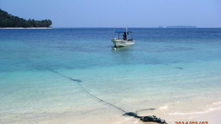 Clear and clean water at Pamutusan Island