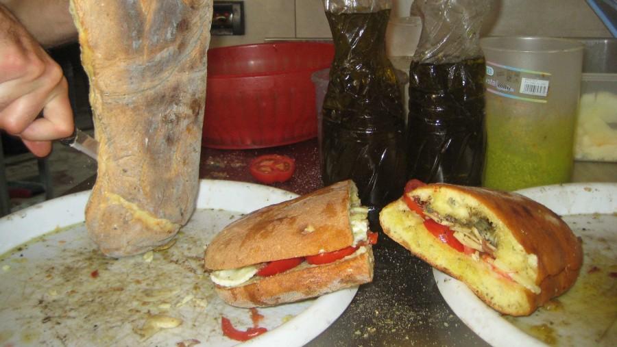 Scopello : Pani Cunzatu (gastronomia)