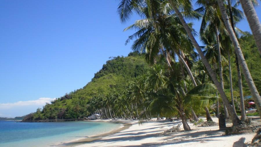 Clean beach at Sikuai, even now