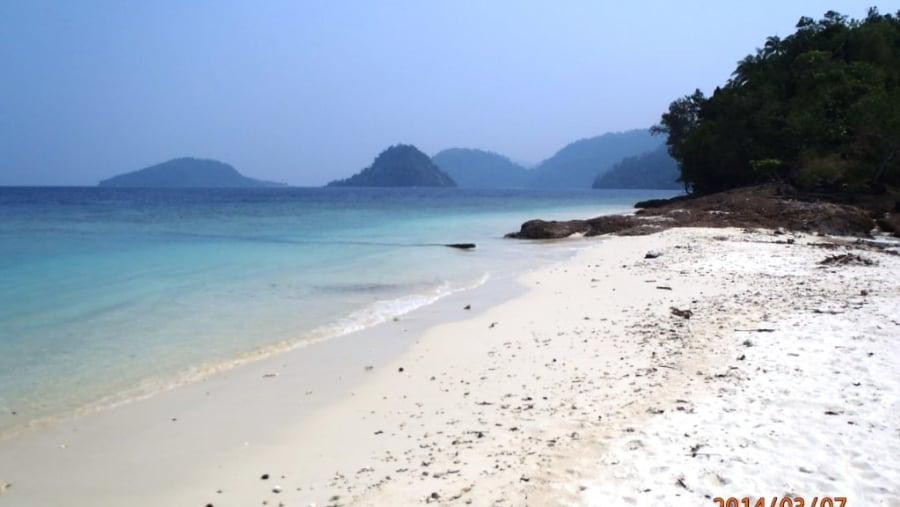 White Sands on the beach at Pamutusan Island