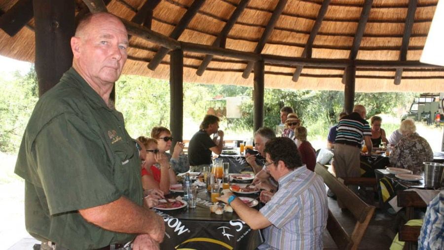 Guests enjoy lunch at Afsaal