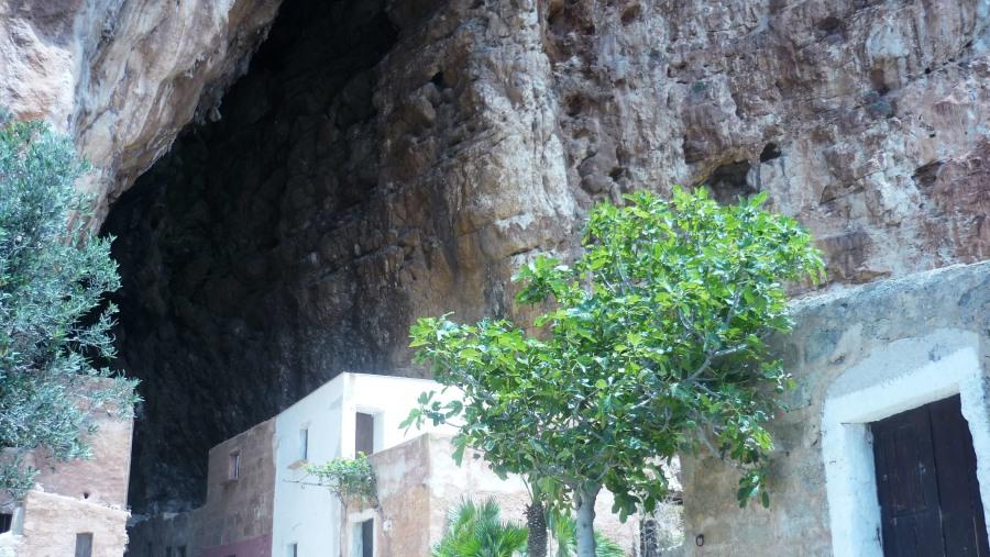 Il Paese nella Grotta (Grotta Mangiapane - Scurati)