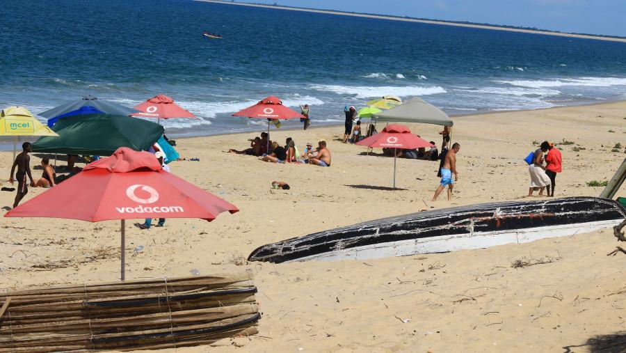 Macaneta Beach
