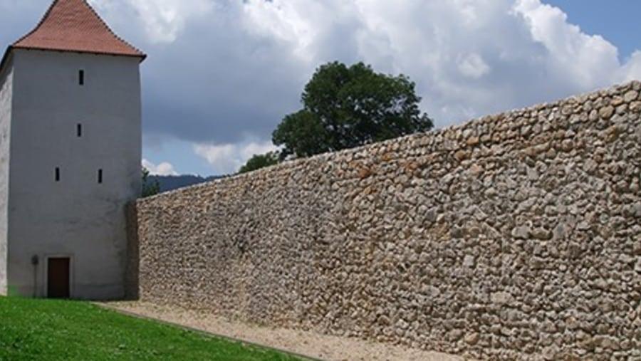 Brasov Walls - Tours in Brasov