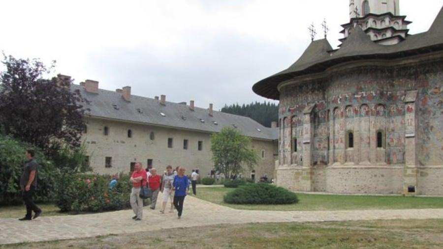 Bucovina, Monastery