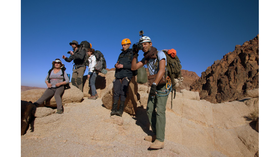 Jabal Rum climbing
