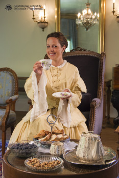 Tea at the Manor, with Madame Papineau. Photo credit: Parks Canada Parcs Canada: Charles-Alexandre Paré