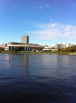 vue du Musée canadien de l'histoire en Aqua-taxi