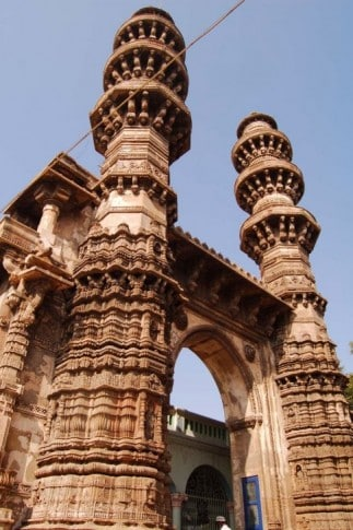 Shaking_Minarets-Ahmedabad