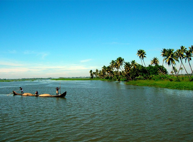 alleppey-backwaters