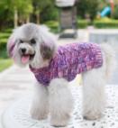 Gebreide trui kleur paars voor de hond