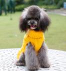 Gebreide trui kleur geel voor de hond