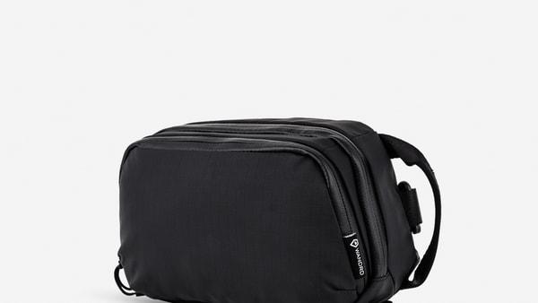 WANDRDの新作ポーチ「Tech Pouch」を1ヶ月ほどボディバッグとして使ってみた感想
