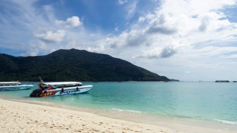 タイのモルディブ、最後の楽園と呼ばれる「リペ島」に行ってきた(ホテル、食事、観光情報)