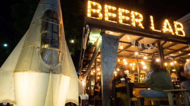 クラフトビールの種類が豊富!チェンマイでクラフトビールを飲むなら「BBER LAB」
