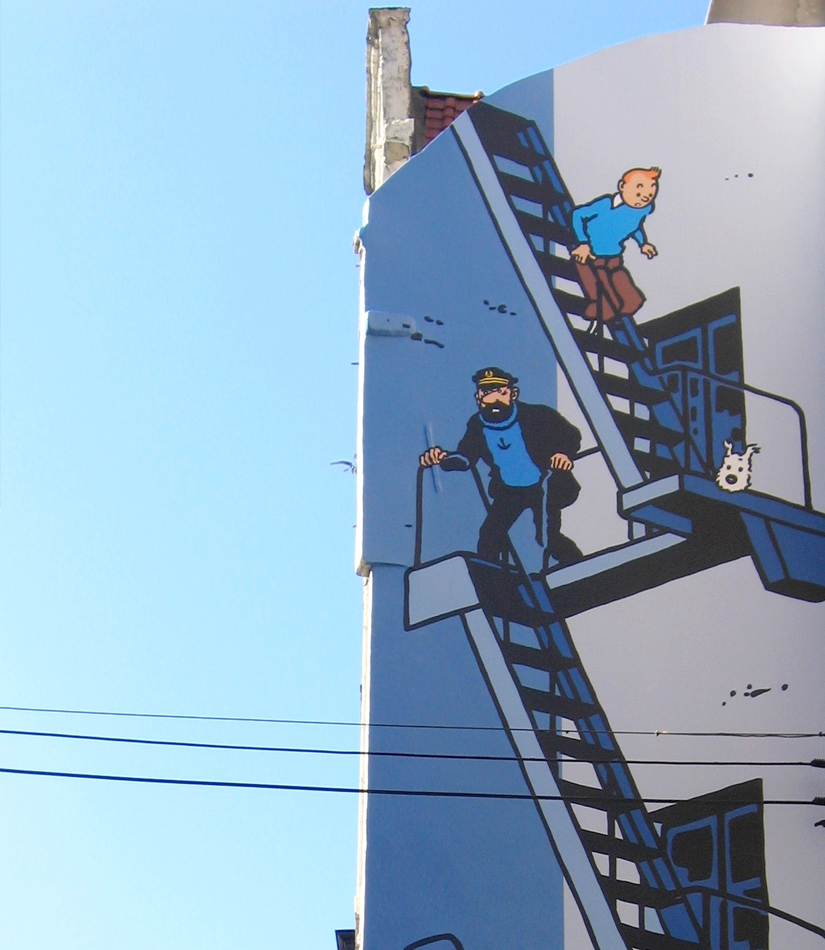 tintin strip wall
