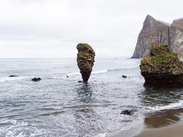 えびす岩と大黒岩