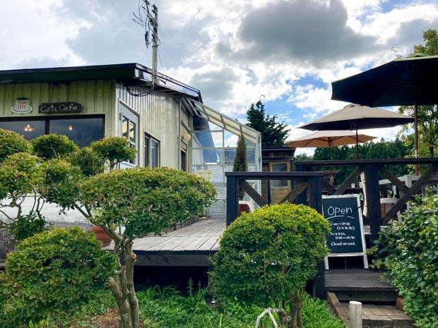 Cota Cafe (コタ カフェ)テラス席ペットOK