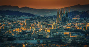 5 Reasons to Travel to Barcelona This Summer