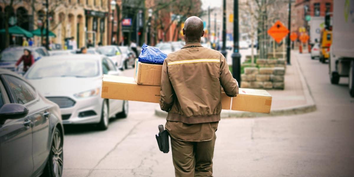 Postboten haben keine Chance. Ohne Straßennamen und Postleitzahlen haben sie es schwer.