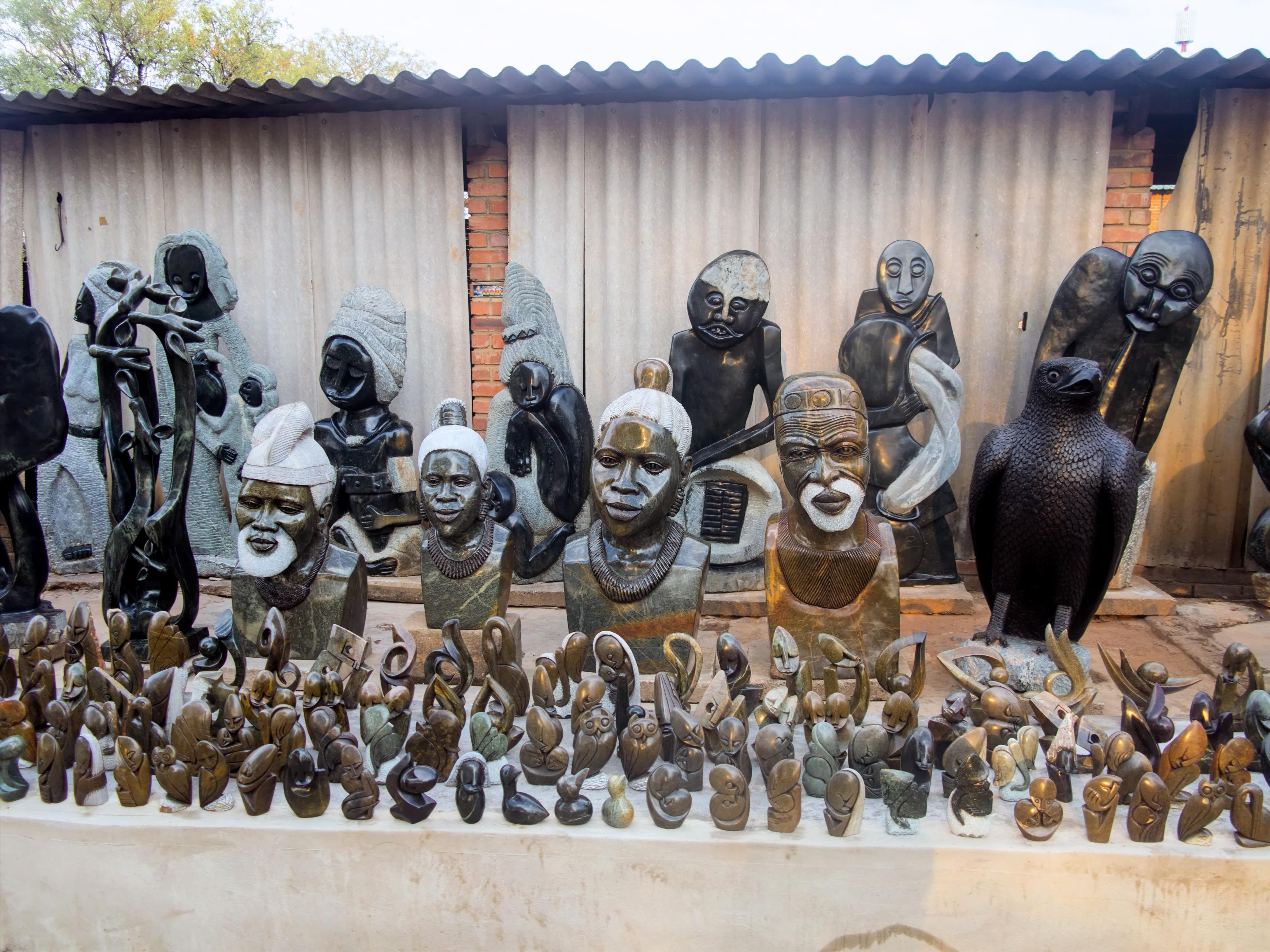 Bildhauer in Simbabwe