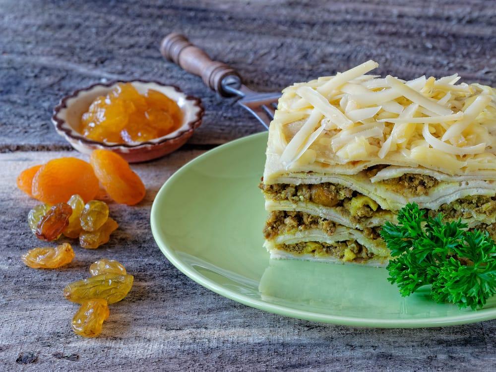 Bobotie ist ein Hackfleischgericht aus Südafrika, das ursprünglich von den Zuwanderern aus Malaysia stammt