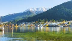 NZ.Queenstown_Lake_Wakatipu