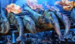 gegrillte Fische auf dem Grill