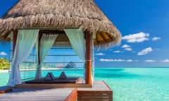 Pavillon im Wasser Malediven