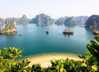 VNM.Halong Bay.Overview