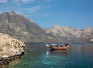 OMN.Khasab.Boot im Fjord