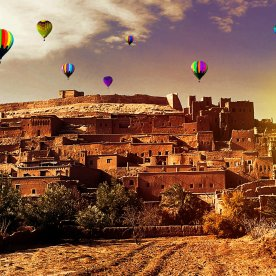 Mit dem Heißluftballon über die Dächer