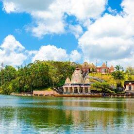 Besuche den heiligen Kratersee des Hindus