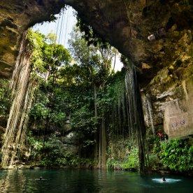 Durch faszinierende Höhlensysteme schwimmen