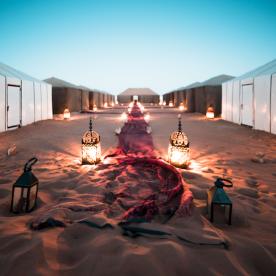 Glamping unterm Sternenhimmel im Wüstencamp