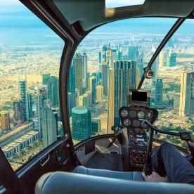Helikopter-Rundflug über die Superstadt