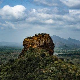 Panoramablick vom berühmten Sigiriya Lion's Rock genießen