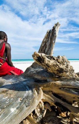 Kenia.Maasai am Strand