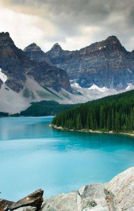CA.Banff National Park.Moraine Lake