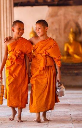 LA.Novizen Mönche in einem Tempel in Laos