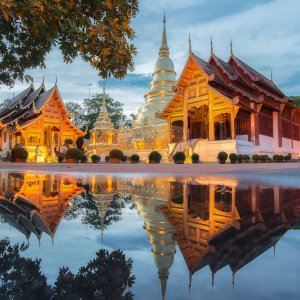 TH.AR.Chiang Mai Main Blick auf den Wat Phra Singh Tempel bei Sonnenuntergang