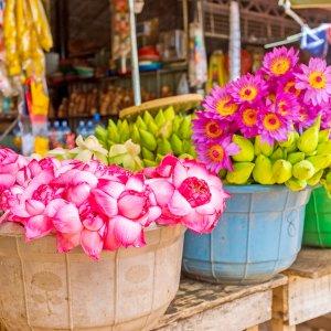 LK.Anuradhapura Market