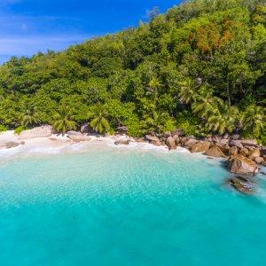 """SC.Praslin.Anse_Georgette Türkisblaue Lagune am Strand von """"Anse Georgette"""" auf der Insel Praslin, Seychellen"""