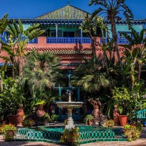 MA.POI.Jardin Majorelle 4 Café von außen im Jardin Majorelle