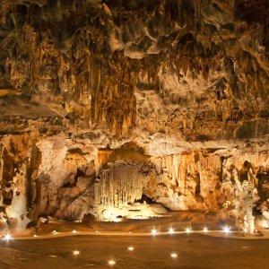 """ZA.Oudtshoorn.Cango_Caves Das beeindruckende Innere einer Höhle """"Cango Caves"""" nahe Oudtshoorn, Südafrika"""