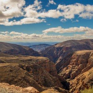 """ZA.Oudtshoorn.Swartberg_Mountains Blick auf die beeindruckende Berglandschaft der """"Swartberg Mountains"""""""