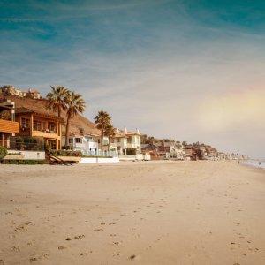 Luxuriöse Häuser am Strand