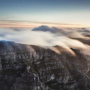ZA.CPT.Nebel über Tafelberg
